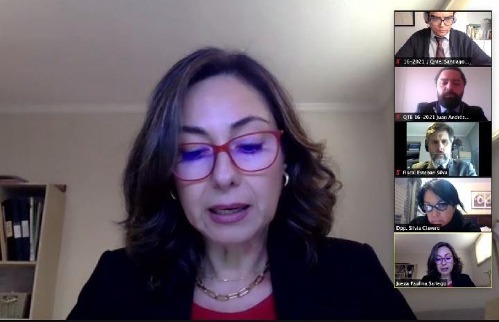 La jueza Paulina Sariego leyendo la condena